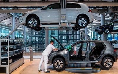 В Фольксваген переведут два завода напроизводство электрокаров