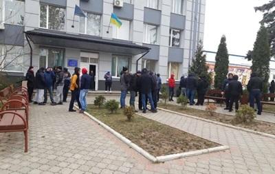 В Ровно  евробляхеры  заблокировали таможню
