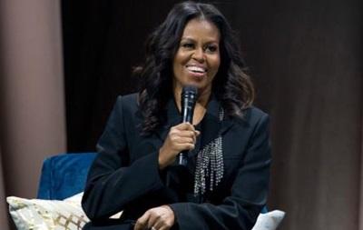 Мемуары жены Обамы разошлись огромным тиражом