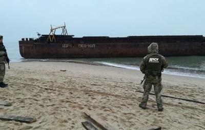 Баржа з контрабандою пошкодила п ять причалів у Чорному морі - ЗМІ