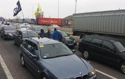 Євробляхери  блокують пункти пропуску на західному кордоні