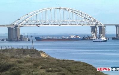 В Керченском проливе образовалась  пробка