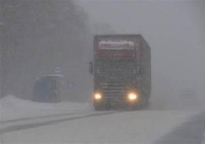 Непогода в Украине- снегопады - снег - новости России -Трассу Ростов - Таганрог - граница с Украиной закрыли для большегрузов