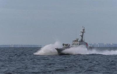 Россия захватила три украинских корабля - ВМС