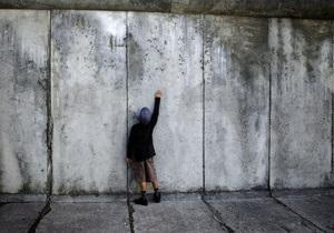 Берлинская стена - Кому и зачем нужна была Берлинская стена?
