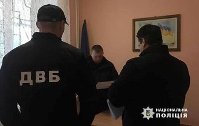 На Закарпатье задержали шесть патрульных за взятки