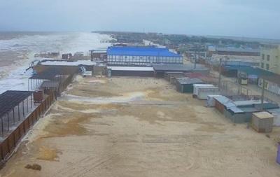В Запорожье из-за шторма подтоплены базы отдыха