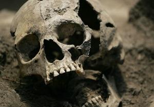 В России на чердаке бывшей школы нашли мешок с черепами