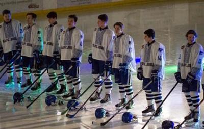 В Канаде хоккейная команда надела на игру вышиванки