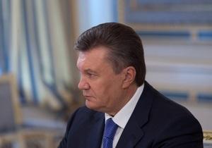 Янукович наградил орденом За заслуги пресс-секретаря Азарова