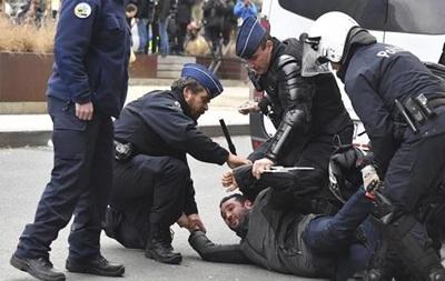 На протестах  желтых жилетов  в Брюсселе задержали 70 человек
