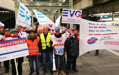В Германии из-за забастовки железнодорожников остановились поезда