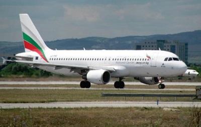 У літаку болгарського міністра під час польоту лопнуло вікно