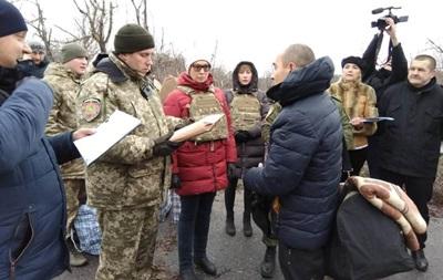 В Украину из  ЛНР  перевели 42 заключенных