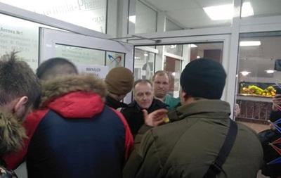В киевском Институте сердца задержали радикалов