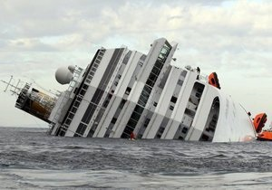 Число пропавших без вести на лайнере Costa Concordia возросло