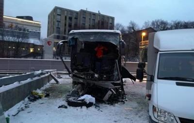 У Швейцарії автобус врізався в огорожу: є загиблі і поранені