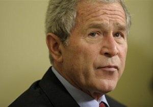 Джордж Буш-младший - Самолет Джорджа Буша-младшего совершил экстренную посадку из-за задымления