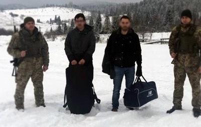 У горах Львівської області затримали французів з контрабандою