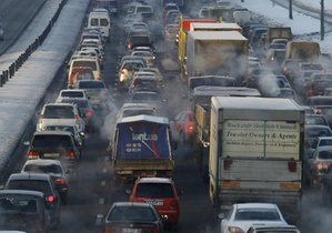 Киевлянин отсудил 37 тысяч гривен за то, что повредил машину на плохой дороге