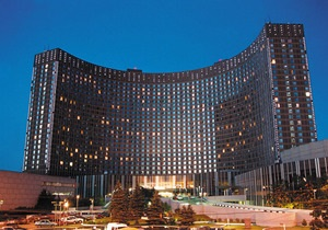 В Москве самоубийца прыгнул с 25 этажа гостиницы Космос