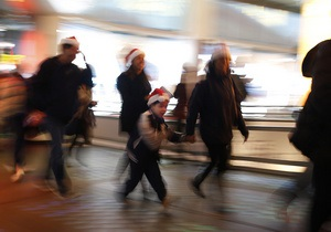 Все на рождественскую распродажу: в мире наступила черная пятница