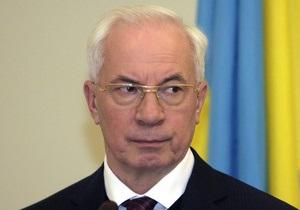 Азаров пообещал обеспечить Украину отечественными подгузниками и презервативами