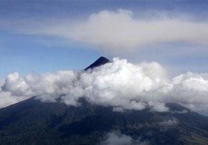 Власти Филиппин завершают эвакуацию населения в связи с извержением вулкана