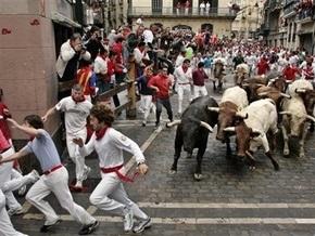 В Испании во время традиционного забега быков погиб один человек, шесть получили ранения
