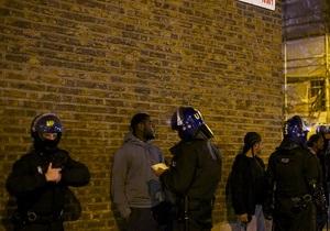 Кэмерон: Смерть британца в перестрелке с полицией мародеры использовали как предлог
