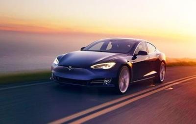 Tesla не продаватиме дешеві версії Model S і Model X