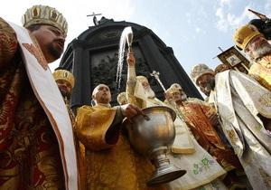 Киевский патриархат счел странным призыв УПЦ МП к верующим смотреть молебен по телевизору
