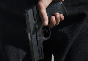 Россиянин, теща которого выжила после поджога, застрелился украденным у полицейского пистолетом
