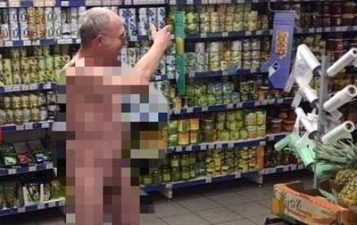 В Киеве по супермаркету разгуливал голый мужчина