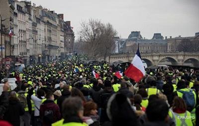 Во Франции проходит десятая волна протестов