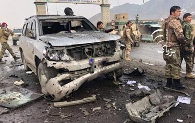 При взрыве ввоенном центре вАфганистане погибли 126 человек
