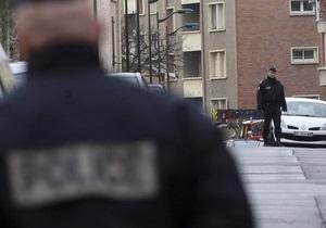 В парижском метро мужчина угрожал пассажиру пистолетом, назвавшись Мохаммедом Мера