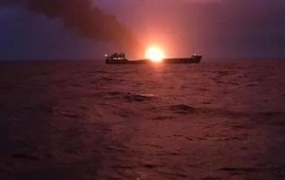 Число жертв на пожаре судов в Керченском проливе возросло до 11