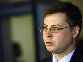 Премьер-министр Латвии сходил к гадалке