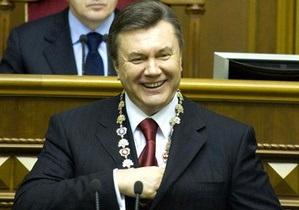 Президент Янукович урезал себе зарплату