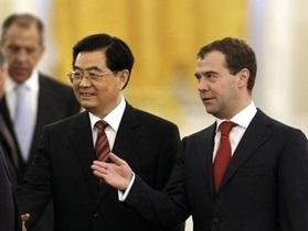 Медведев в конце сентября посетит Китай