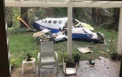 У США зросла кількість загиблих внаслідок падіння літака на будинок