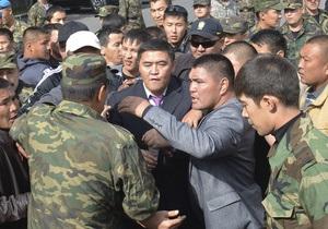 В Кыргызстане лидеров оппозиции допрашивают по подозрению в попытке переворота
