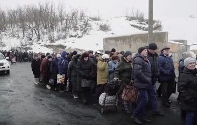 Длинные очереди. ОБСЕ показало видео с Донбасса