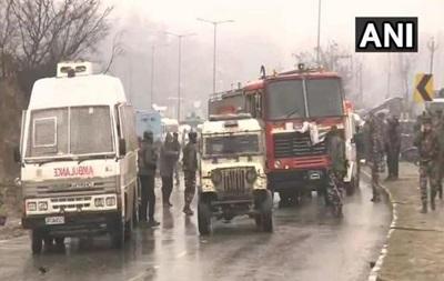 В Индии произошел взрыв, погибли 12 полицейских
