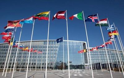 Полторак в Брюсселе обсудил возобновление работы Комиссии Украина-НАТО