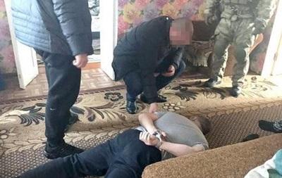 На Харьковщине изъяли крупную партию марихуаны и оружие