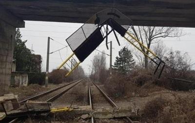 В Румынии обвалился пешеходный мост