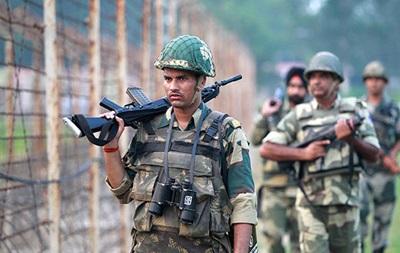 Пакистанські військові обстріляли індійських солдатів