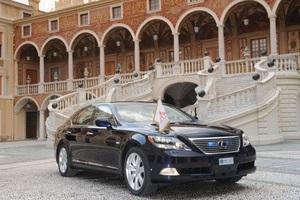 Lexus LS 600h L – королевский эскорт!